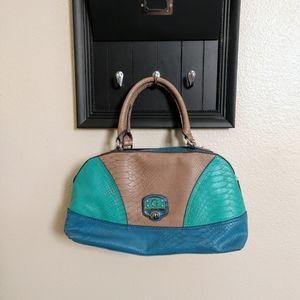 Beautiful Guess purse
